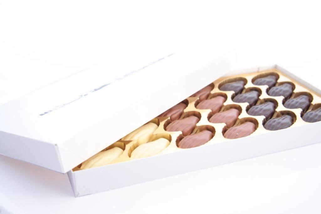 Antwerpse Handjes - chocolade zonder vulling - grote doos