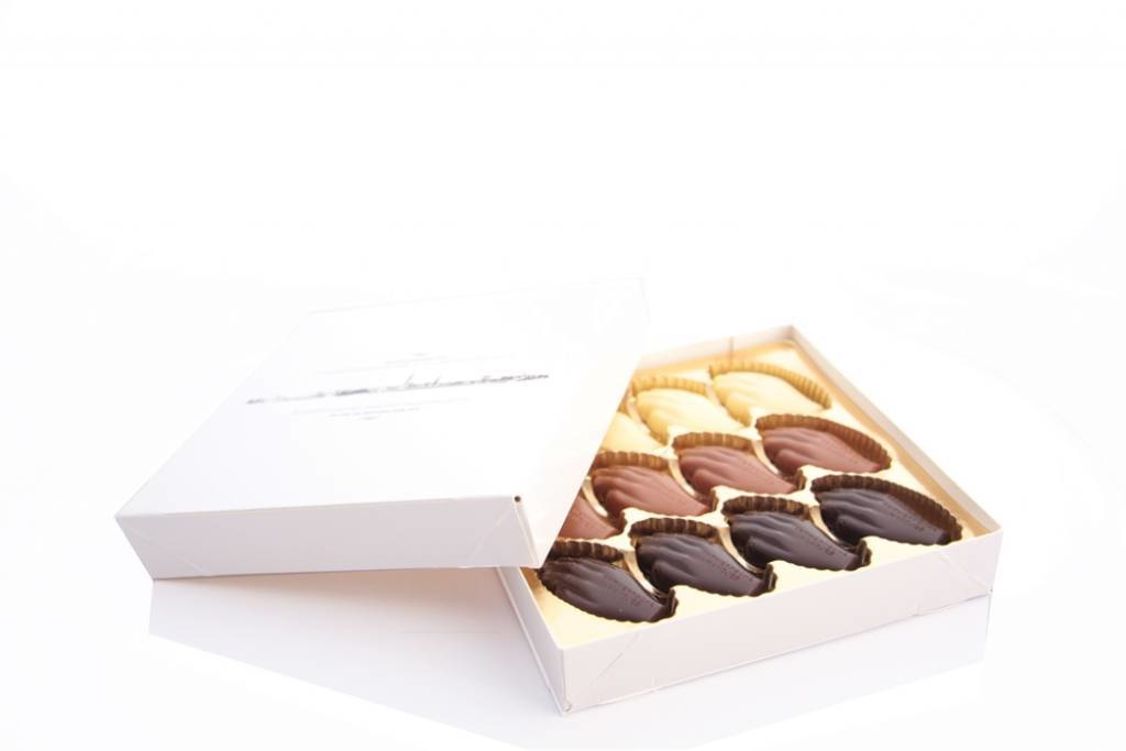Antwerp Hands - plain chocolate - small box 24 pieces