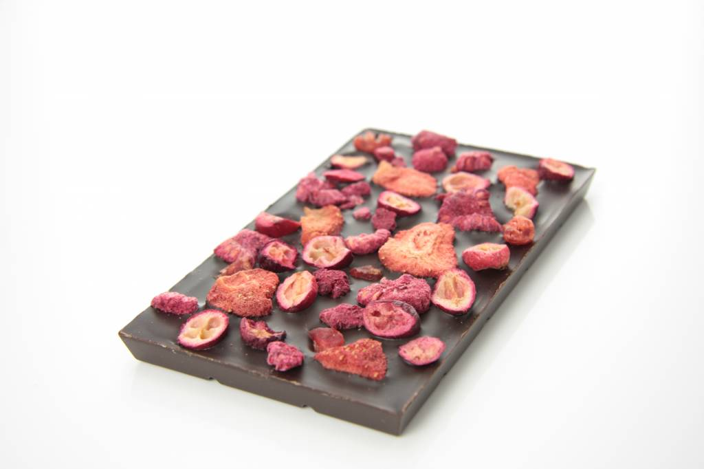 Tablet pure chocolade met rode vruchten mix
