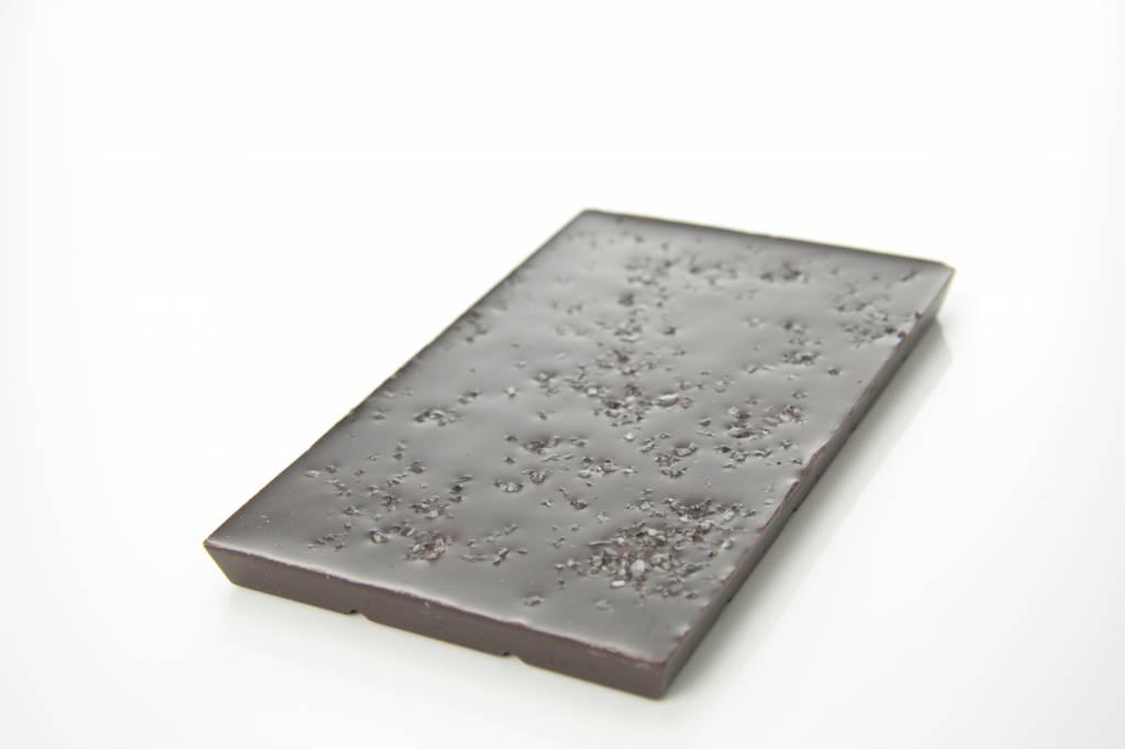 Tablet pure chocolade met zeezout