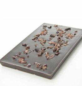 Pure chocolade (90% cacao) met cacao nibs