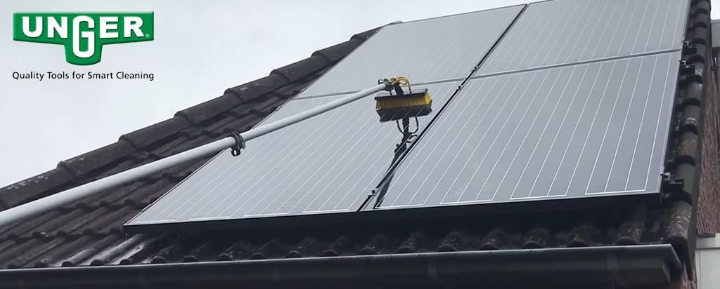 Hoe maak ik mijn zonnepanelen schoon?