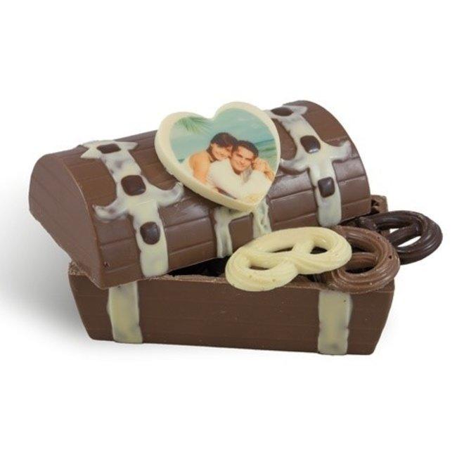 Gevulde chocolade schatkist met foto hartje