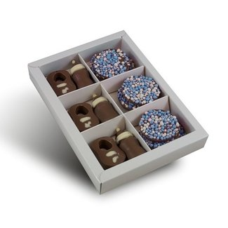 Chocolade tutjes & slabbetje met blauwe flikken