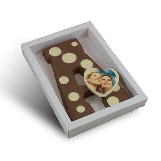 Chocolade letter met stippen en foto hartje 225 gr