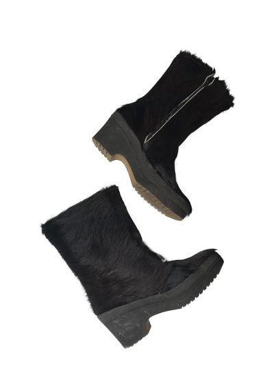 Vintage Shoes: Fur Boots