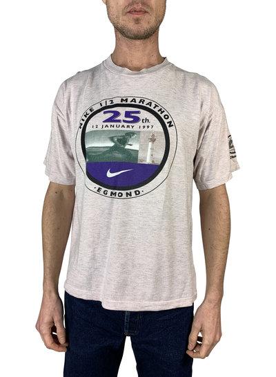 Vintage Tops: 90's Men T-Shirts