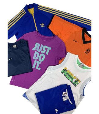 Enfants Vintage: Mélange de Vêtements Sport d'Enfants