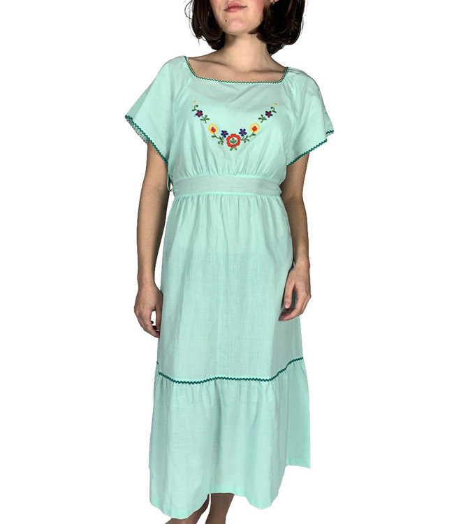 Vintage Sets & Suits: Nightgowns