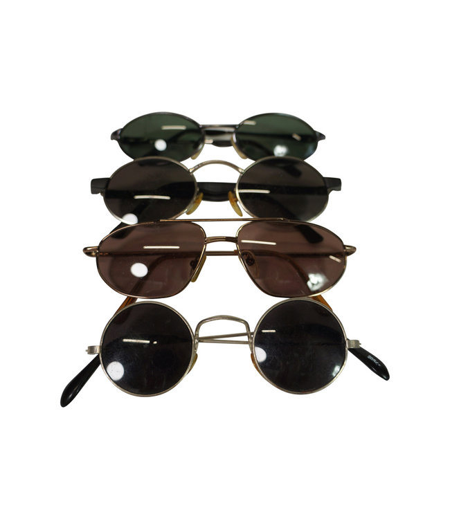 Vintage Accessories: Sunglasses