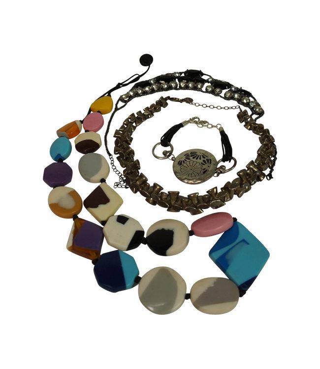 Vintage Accessories: Jewelry