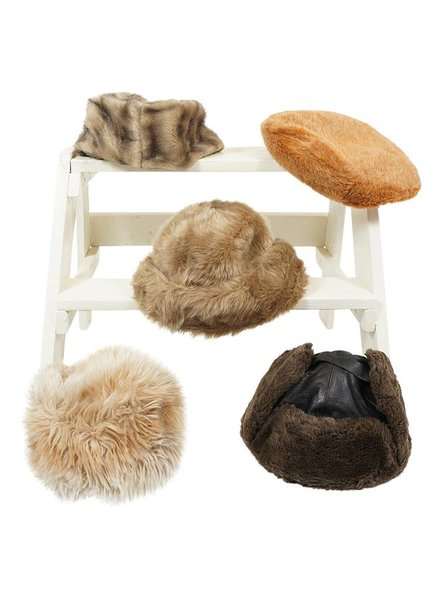 Chapeaux Vintage: Chapeaux en Fausse Fourrure - Deuxième Qualité