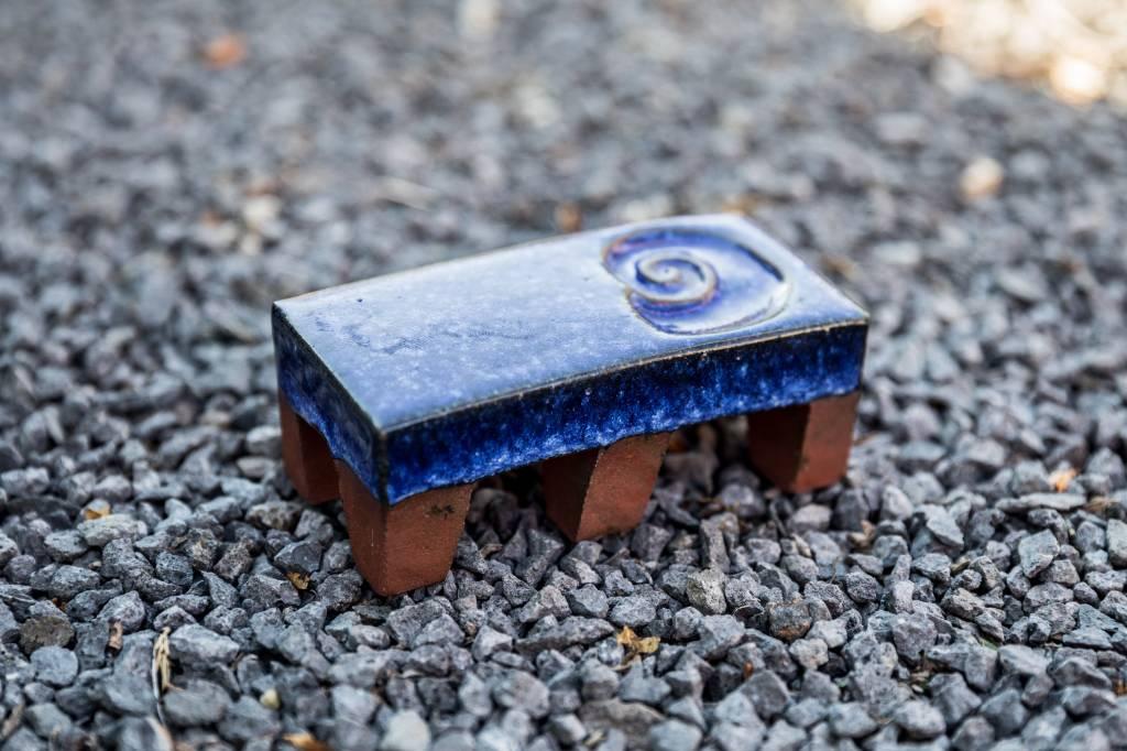 Motiv Pflasterstein Schnecker, lang, kobaltblau