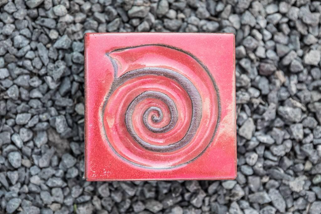 Motiv Pflasterstein Schnecke in rot