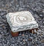 Motiv Pflasterstein Rose in weiß