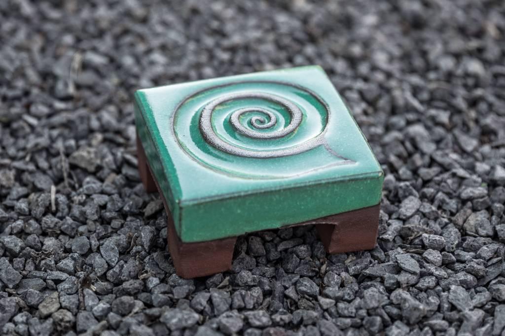 Motiv Pflasterstein Schnecke in mint