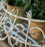 französicher Blumenkorb in antik weiß