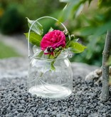 Windlicht aus Glas mit zartem Schliff