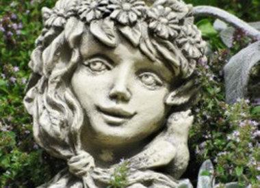 Steingussfiguren