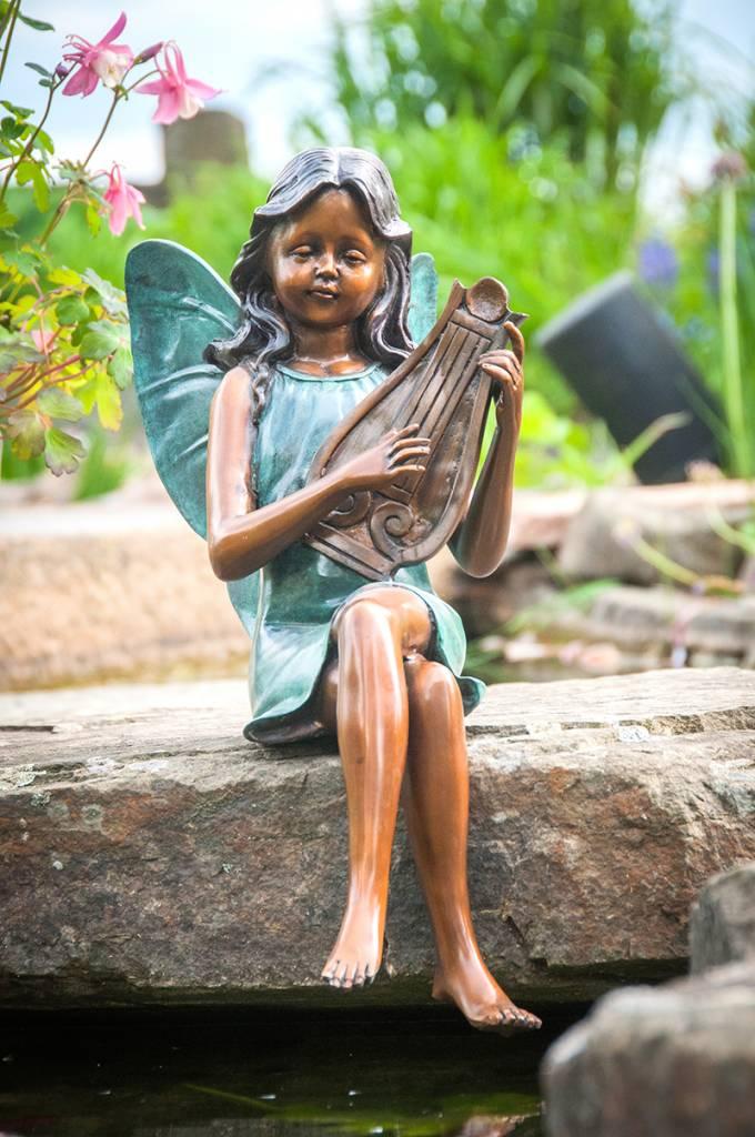Elfe mit Harfe