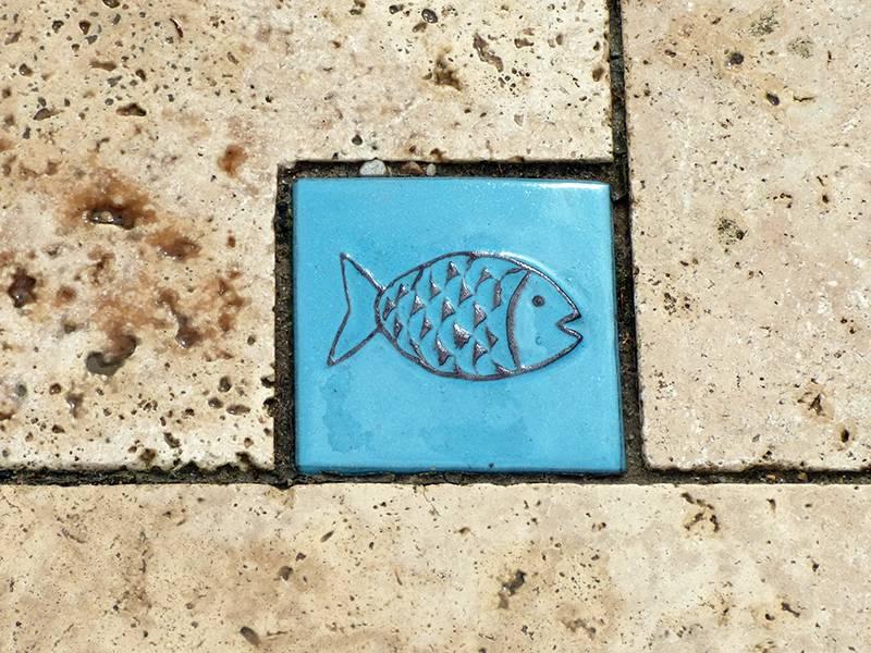 Motiv Pflasterstein Fisch in himmelblau,absolut frostfest