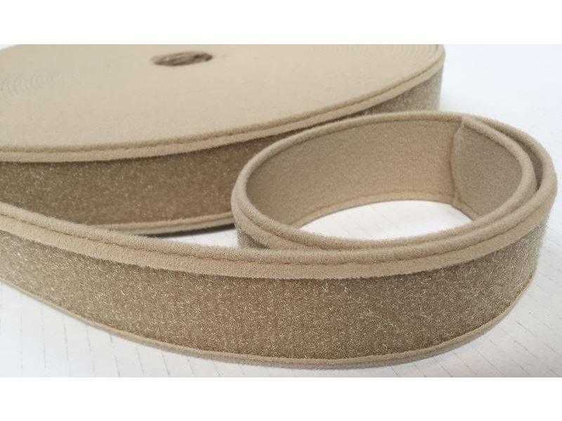 Velvet -lined loop tape beige