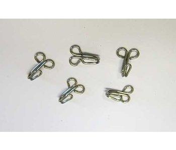 crochets métalliques