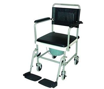 WC fauteuil roulant sur des roues avec repose-pieds entraînement