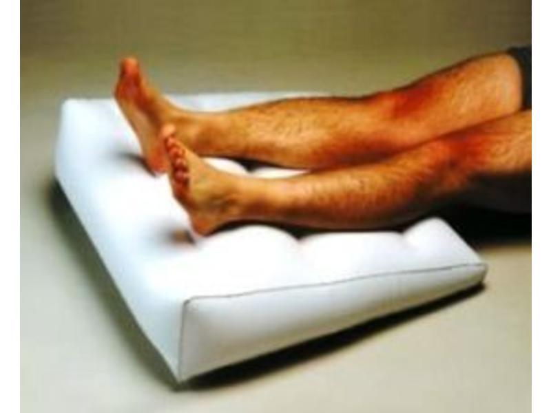 Opblaasbaar wigkussen voor in bed