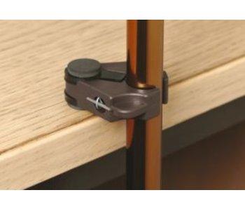 Marcher titulaire de bâton sur la table