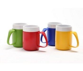 Isolierte Tasse mit einem ergonomischen Griff Thermo