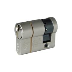 ISEO F6 Extra S SKG*** Cilinder 90 mm 35/55 wil u de cilinder gelijksluitend hebbeb of voorzien van knop ?