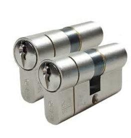 ISEO F6 Extra S SKG*** 2 gelijksluitende Iseo f6 extra skg*** Cilinders 60 mm 30/30 6 genummerde sleutels