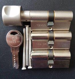 S2skg**F6 3 gelijksluitende cilinder 1 met knop30/35 en 2 normale 8 keersleutels
