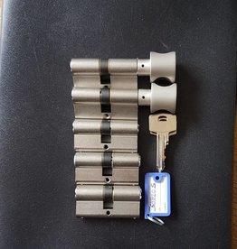 S2skg**s6 Veilig woningset 2 knop en 3 gewone cilinders 8 genummerde sleutels