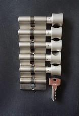 S2skg**s6 6 gelijke cilinders 5 met knop + 1 zonder met 6 zaagsleutels
