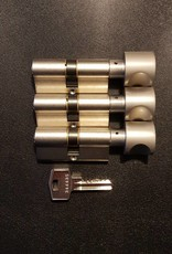 S2skg**s6 3 gelijksluitende knopcilinders  60 mm 30/30 met 8 zaagsleutels