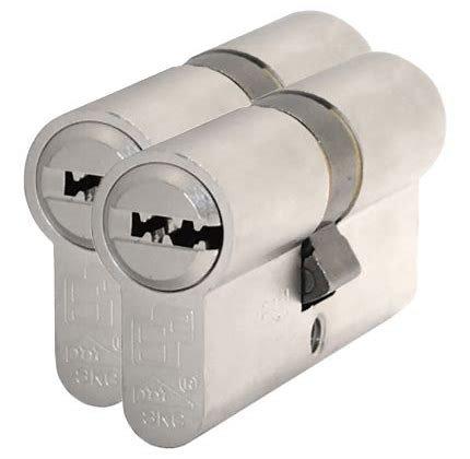 S2skg**F6 2 gelijksluitende cilinders skg**f6 75 mm 30/45K met 6 veilige keersleutels