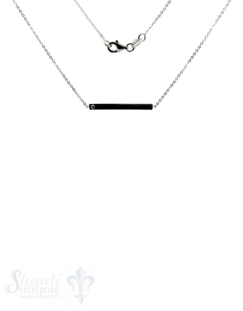 Silberkette: mit schmalen Schildli und 1 Zirkonia Karabiner, Anker 0,9x1,2 mm:
