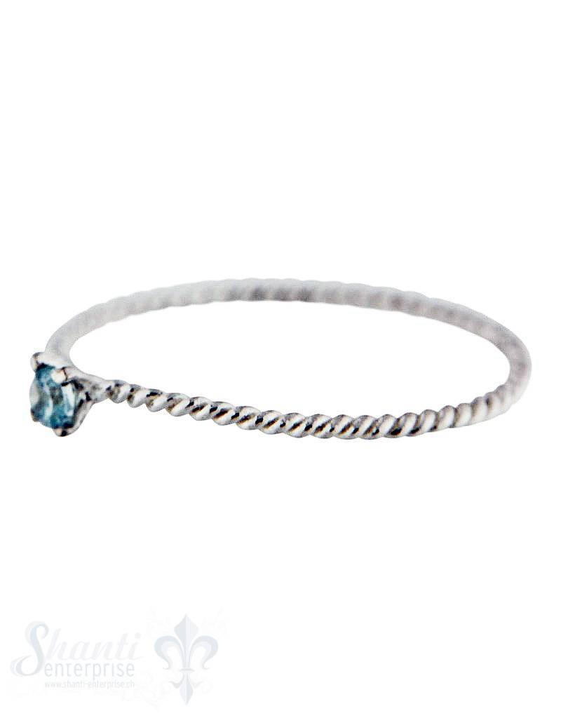 Silberring: fein gedreht mit Topas blau aufgesetzt