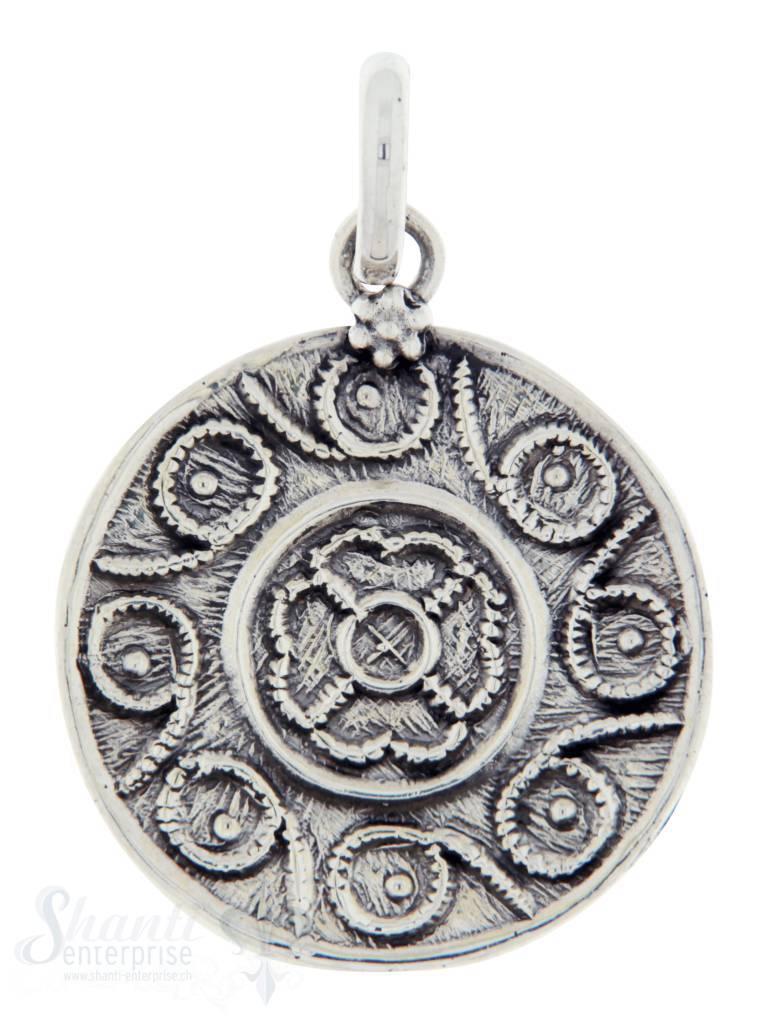 Silberanhängerr: Amulett mit Blumenmuster l D: 18mm Dicke: 2mm
