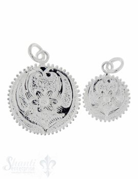 Silberanhängerr: Amulett mit Blumenmuster