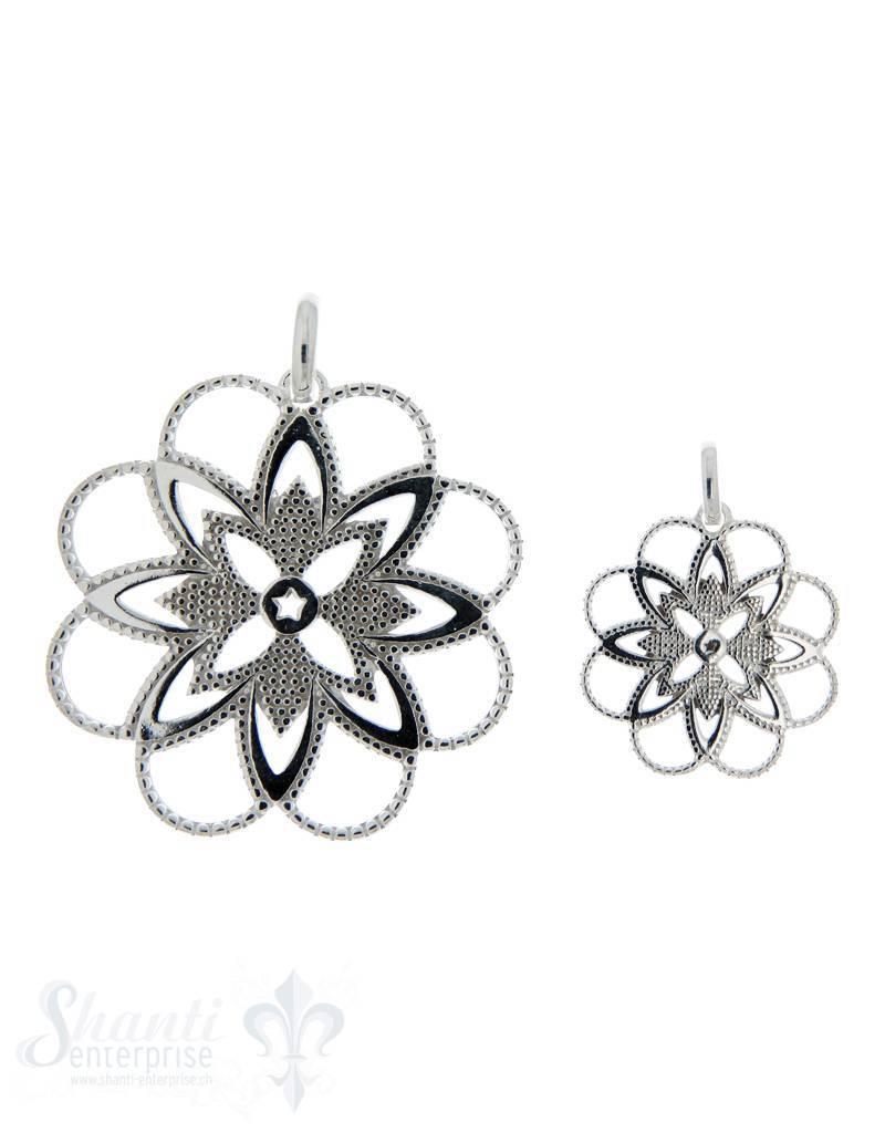 Silberanhänger: Blume fein durchbrochen