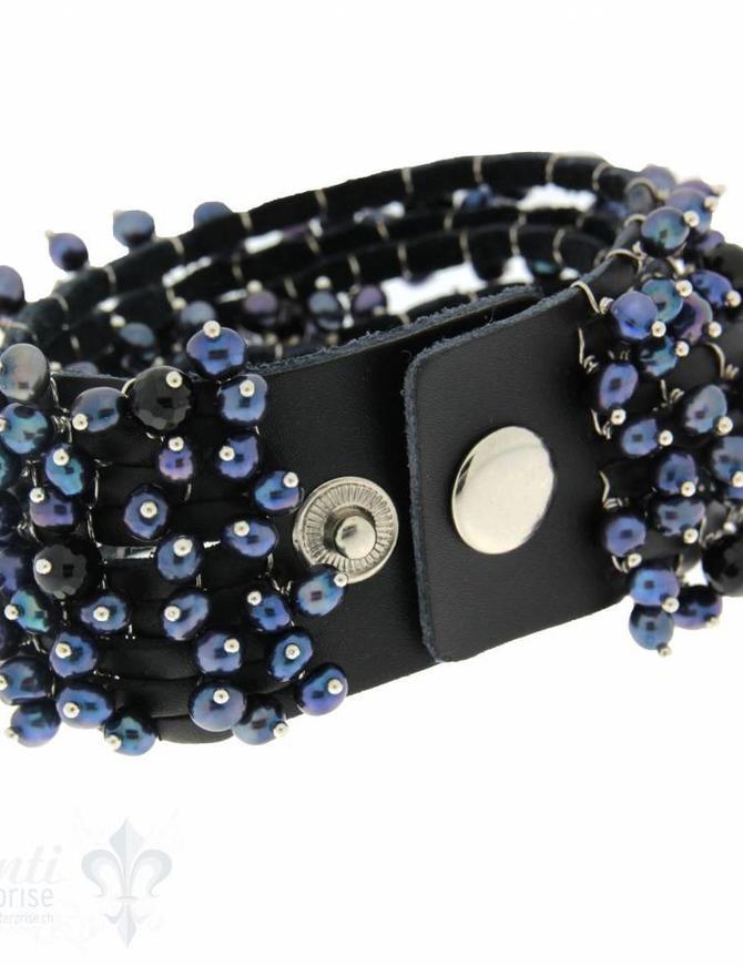 Lederarmband mit Perlen mehrreihig, schwarz,Kupfer 1 x Handgelenk, Druckknopfverschluss