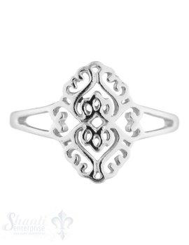Silberring fein mit ovalem Ornament durchbrochen
