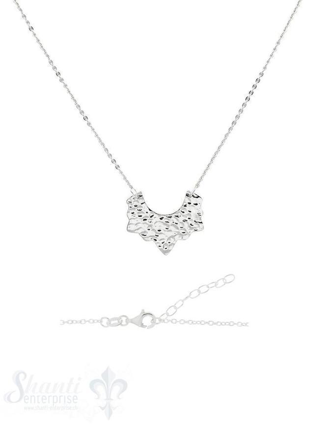 Halskette Silber hell mit Anhänger Fantasie gehämmert verstellbar 42 bis 47 cm mit Karabiner