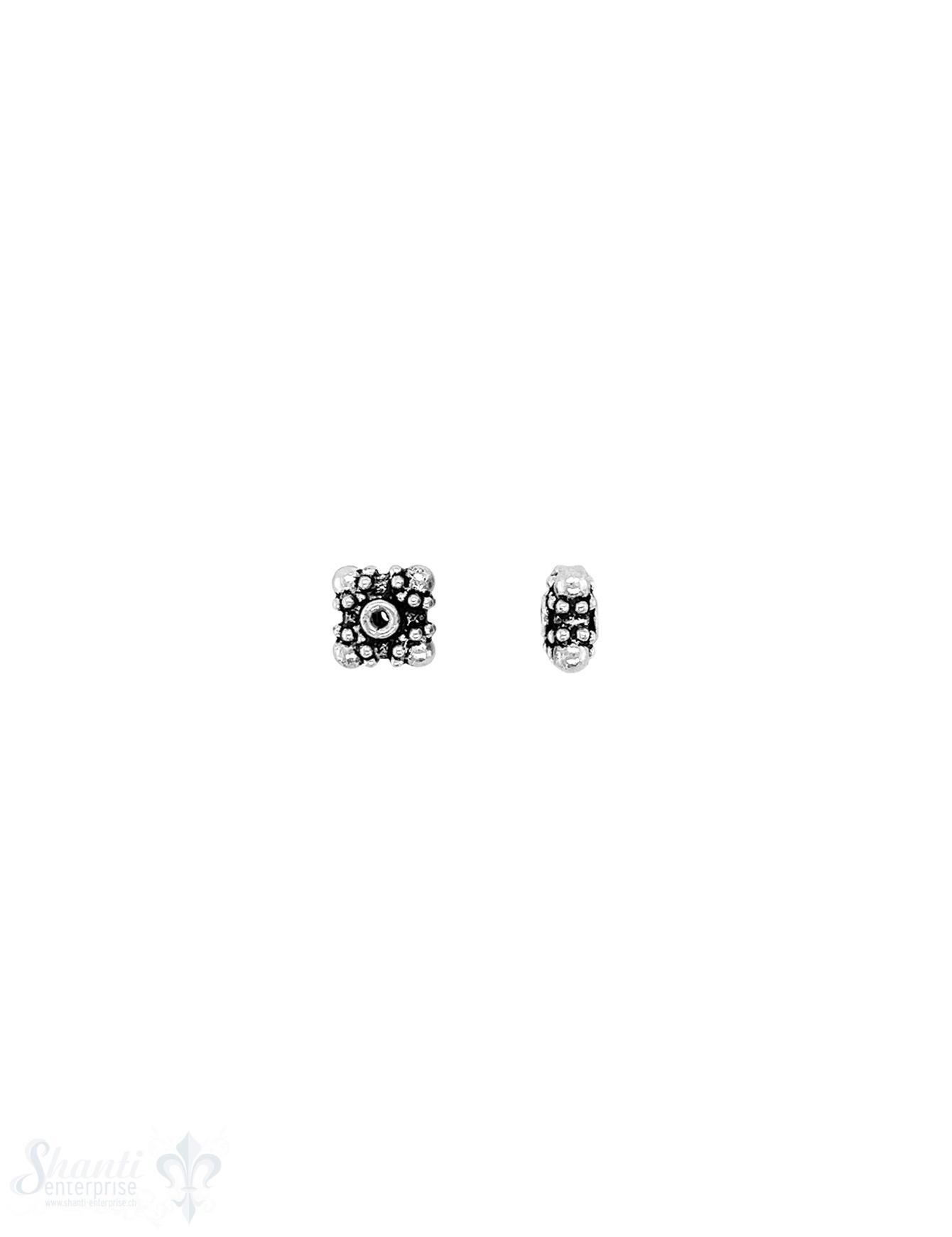 quadratisches Element 7x7x3 mm  gepunktet in den