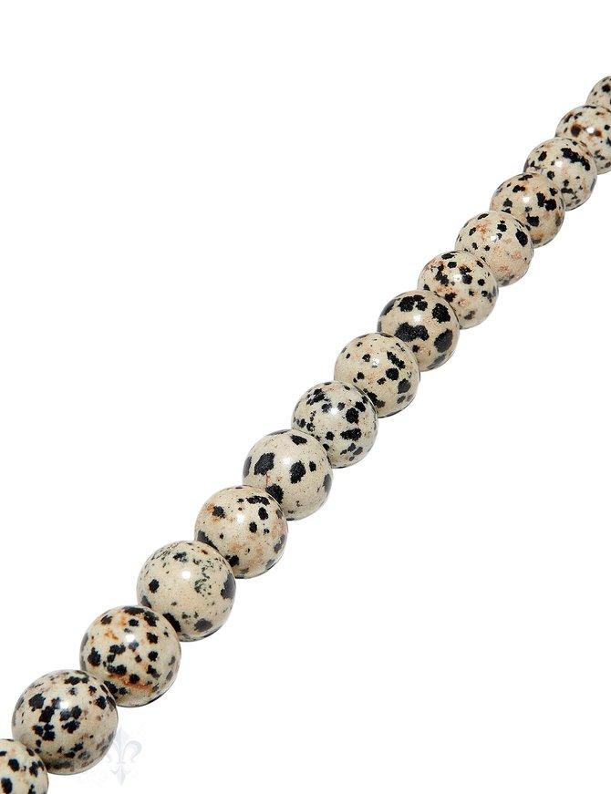 Dalmatiner-Jaspis Strang beige-schwarz poliert Kugeln AA Porphyrit