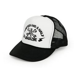 De 13 1/2 Trucker Logo 3D cap zwart / wit