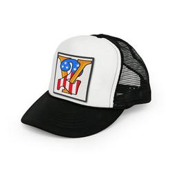 De 13 1/2 V2 Trucker cap zwart